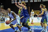 GRONINGEN - Basketbal, Donar - ZZ Leiden, Martiniplza, Halve finale NBB beker, seizoen 2018-2019, 13-02-2019, Donar speler LaRon Dendy met Leiden speler Clayton Vette