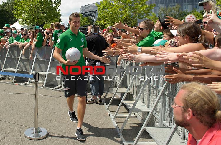 28.07.2013, Weserstadion, Bremen, GER, 1.FBL, Werder Bremen Tag der Fans 2013, im Bild Sebastian Mielitz (Bremen #1)<br /> <br /> Foto &copy; nph / Frisch