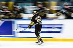 Stockholm 2014-10-02 Ishockey Hockeyallsvenskan AIK - BIK Karlskoga :  <br /> AIK:s Ryan McKiernan har gjort 4-2 och gratuleras av lagkamrater <br /> (Foto: Kenta J&ouml;nsson) Nyckelord:  AIK Gnaget Hockeyallsvenskan Allsvenskan Hovet Johanneshovs Isstadion Bofors BIK Karlskoga jubel gl&auml;dje lycka glad happy r&ouml;relseosk&auml;rpa osk&auml;rpa panorering panorera