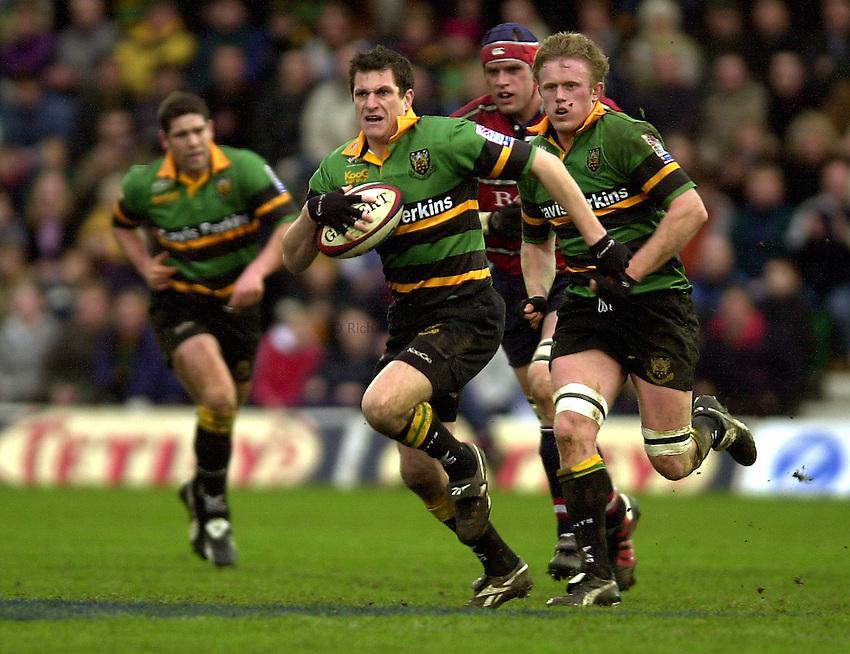 Photo - Peter Spurrier.28/12/2002.Sport - Rugby - Zurich Premiership .Northampton Saints v Gloucester RFC.Paul Grayson.