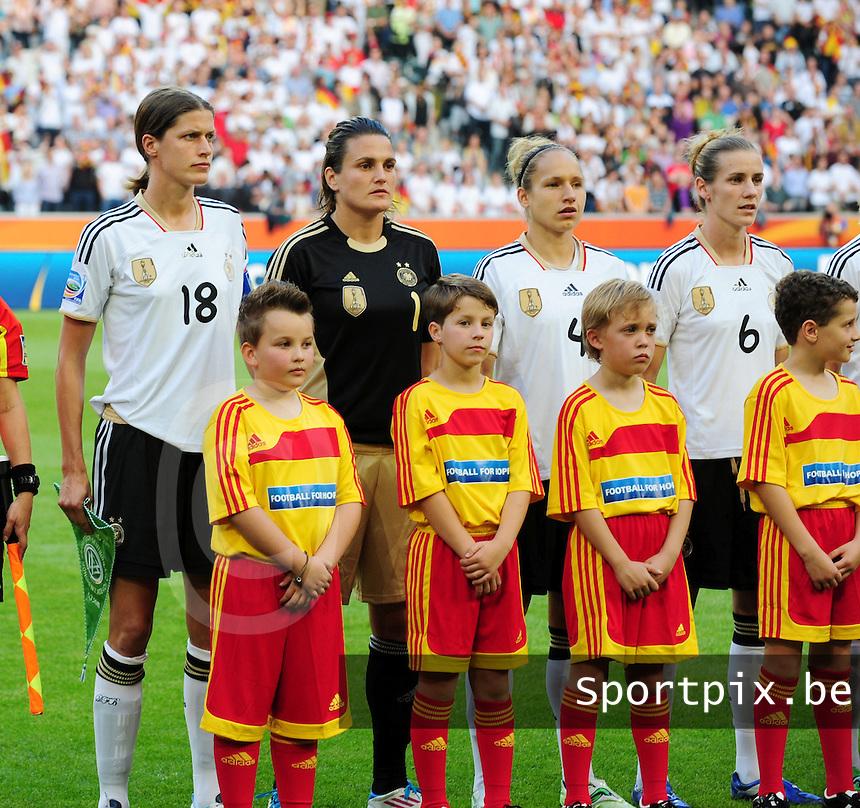 Fifa Women's World Cup Germany 2011 : France - Germany ( Frankrijk - Duitsland ) at Munchengladbach World Cup stadium : Kerstin GAREFREKES , Nadine ANGERER , Babett PETER , Simone LAUDEHR ,.foto DAVID CATRY / Vrouwenteam.be