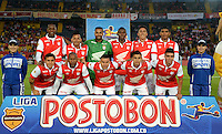 BOGOTÁ -COLOMBIA, 01-04-2014. Jugadores del Santa Fe posan para una fotografía de grupo previo al encuentro entre Independiente Santa Fe y Deportivo Pasto  por la fecha 14 de la Liga Postobón  I 2014 disputado en el estadio Nemesio Camacho El Campín de la ciudad de Bogotá./ Players of Santa Fe pose to the photo group prior of the match between Independiente Santa Fe and Deportivo Pasto for the 14th date of the Postobon  League I 2014 played at Nemesio Camacho El Campin stadium in Bogotá city. Photo: VizzorImage/ Diana sanchez / Str