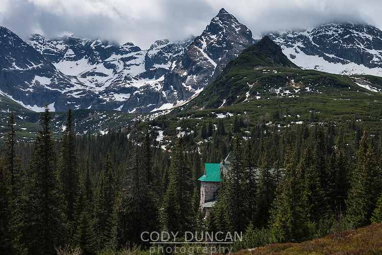 Murowaniec mountain hut with Koscielec (2155m) in the background, Tatra mountains, Poland