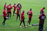Eintracht Spieler bereiten sich auf Steigerungsläufe mit Belastung vor - Eintracht Frankfurt Training, Commerzbank Arena