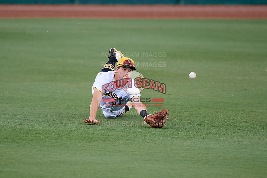 Bradenton Marauders left fielder Lucas Tancas (29) makes a diving catch during a game against the Tampa Tarpons on August 12, 2018 at LECOM Park in Bradenton, Florida.  The game was suspended in the bottom of the first inning due to weather.  (Mike Janes/Four Seam Images)