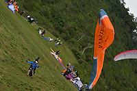 "ROLDANILLO - COLOMBIA, 9-01-2014. El Pre Campeonato Mundial de Parapente 2014 se aprecia por estos días en Roldanillo, Valle con la participación de 150 parapentistas provenientes de 32 paises de todo el mundo que compiten en la modalidad ""Cross Country""./ The Paragliding Pre World Cup 2014 is seen these days in Roldanillo Valle involving 150 paragliders from 32 countries around the world who compete in the mode ""Cross Country""  Photo: VizzorImage / Contribuidor"