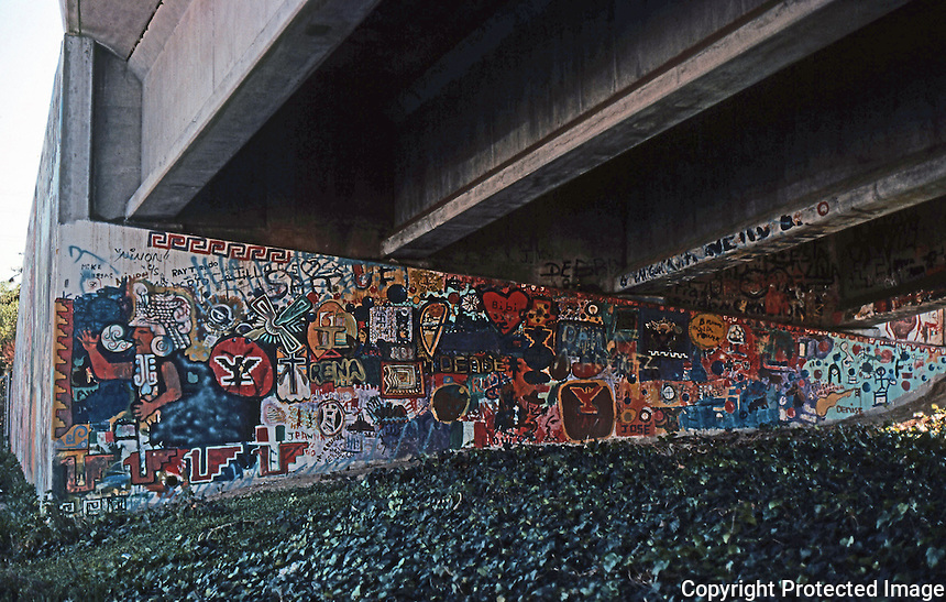 San Diego: Chicano Park Murals & Spray Can Grafitti. Photo '77.