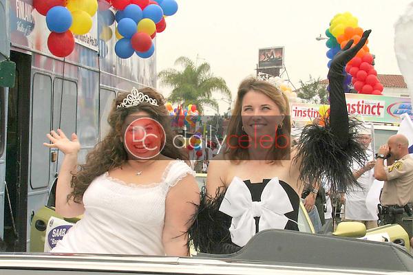 Marissa Jaret Winokur and Lucy Lawless