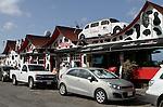 Foto: VidiPhoto..ORANJESTAD - Eetcafe The Paddock, gelegen naast de fruitmarkt aan de haven in de hoofdstad, is het meest bekende eetcafé op Aruba en is het enige echte Hollandse bruine café op het eiland. Het bestaat vijftien jaar en is gevestigd in het historische centrum van Oranjestad. The Paddock staat bekend om zijn Hollandse snacks zoals bitterballen en kroketten..