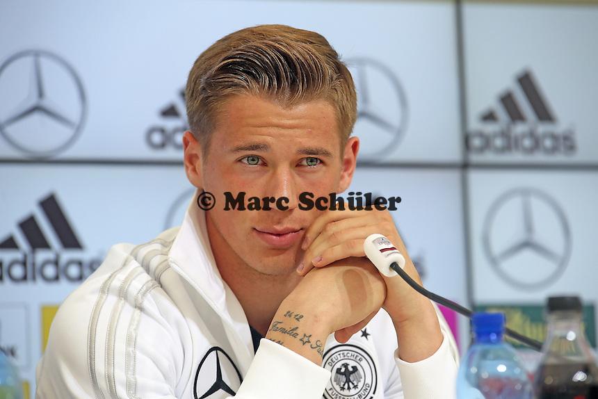 Erik Durm - Pressekonferenz der Deutschen Nationalmannschaft  im Rahmen der WM-Vorbereitung in St. Martin