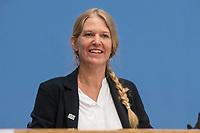"""Entwicklungshilfe Minister Gerd Mueller (CSU) stellte am Montag den 9. September 2019 in Berlin das Fair-Siegel """"Gruener Punkt"""" vor.<br /> Unterstuetzt wird die Kampagne u.a. von der ev. Kirche Deutschland, Tschibo und dem Bekleidungsunternehmen VAUDE.<br /> Im Bild: Antje von Dewitz, Geschaeftsfuehrerin, VAUDE Sport GmbH & Co. KG.<br /> 9.9.2019, Berlin<br /> Copyright: Christian-Ditsch.de<br /> [Inhaltsveraendernde Manipulation des Fotos nur nach ausdruecklicher Genehmigung des Fotografen. Vereinbarungen ueber Abtretung von Persoenlichkeitsrechten/Model Release der abgebildeten Person/Personen liegen nicht vor. NO MODEL RELEASE! Nur fuer Redaktionelle Zwecke. Don't publish without copyright Christian-Ditsch.de, Veroeffentlichung nur mit Fotografennennung, sowie gegen Honorar, MwSt. und Beleg. Konto: I N G - D i B a, IBAN DE58500105175400192269, BIC INGDDEFFXXX, Kontakt: post@christian-ditsch.de<br /> Bei der Bearbeitung der Dateiinformationen darf die Urheberkennzeichnung in den EXIF- und  IPTC-Daten nicht entfernt werden, diese sind in digitalen Medien nach §95c UrhG rechtlich geschuetzt. Der Urhebervermerk wird gemaess §13 UrhG verlangt.]"""