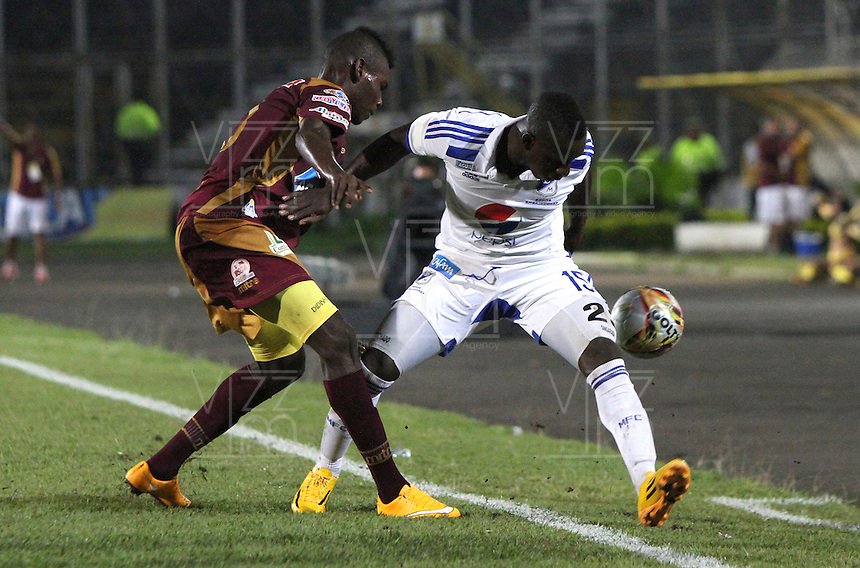 BOGOTA -COLOMBIA, 25-FEBRERO-2015. Deiver Machado de Millonarios  disputa el balon contra Didier Delgado del Deportes Tolima  durante la sexta fecha de La Liga Aguila jugado en el estadio Manuel  Murillo Toro  of  Ibague. /  Deiver Machado of  Millonarios  dispute for the ball against  Didier Delgado of Deportes Tolima  during the six round of La Liga Aguila played at the Mnauel Murillo Toro  stadium in Ibague . Photo / VizzorImage / Andrew Indell / Staff