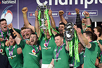 Ireland celebrate as Rory Best lifts the 6 Nations trophy in celebration. Natwest 6 Nations match between England and Ireland on March 17, 2018 at Twickenham Stadium in London, England. Photo by: Patrick Khachfe / Onside Images