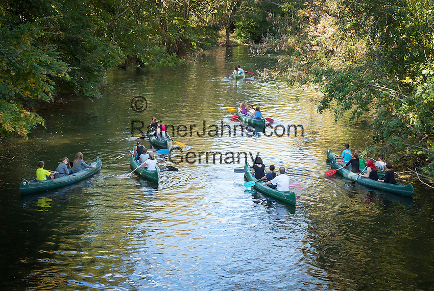 Germany, Baden-Wuerttemberg, Tauber Valley, Bad Mergentheim: canoeing on river Tauber | Deutschland, Baden-Wuerttemberg, Taubertal, Bad Mergentheim: Kanuten auf der Tauber