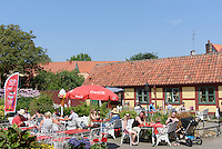 Gartenlokal Bäckahästen, Ystad, Provinz Skåne (Schonen), Schweden, Europa<br /> garden restaurant Bäckahästan Stortorget  in Ystad, Sweden
