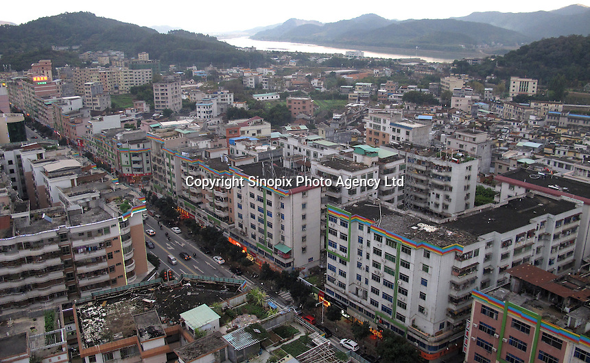 20120116 CHINA GUANGDONG PROVINCE : A general view of Boluo, the city where China's copy of the Austrian alpine town of Hallstatt is situated, Boluo Township, Huizhou City, Guangdong Province, China, 16 January 2012. Property developments such as this are expected to run into financial difficulites in 2012 as the Chinese economy and property market continue to cool, in reaction to the ongoing sovereign debt crisis in Europe.<br /> SINOPIX / ALEX HOFFORD
