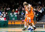 S&ouml;dert&auml;lje 2015-01-17 Basket Basketligan S&ouml;dert&auml;lje Kings - Bor&aring;s Basket :  <br /> Bor&aring;s Henrik Carlsson har skadat sig och f&aring;r hj&auml;lp av planen av Adama Darboe under matchen mellan S&ouml;dert&auml;lje Kings och Bor&aring;s Basket <br /> (Foto: Kenta J&ouml;nsson) Nyckelord:  Basket Basketligan S&ouml;dert&auml;lje Kings SBBK T&auml;ljehallen Bor&aring;s skada skadan ont sm&auml;rta injury pain