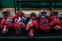 Detalle de careta y pechera de catcher color rojo en dogout  de Mayos de Navojoa, durante juego de beisbol de la Liga Mexicana del Pacifico temporada 2017 2018. Tercer juego de la serie de playoffs entre Mayos de Navojoa vs Naranjeros. 04Enero2018. (Foto: Luis Gutierrez /NortePhoto.com)