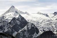 Oesterreich; Salzburger Land; Pinzgau: Glocknergruppe mit Kitzsteinhorn (3.203 m) | Austria; Salzburger Land; Pinzgau region: Glockner mountain range (Kitzsteinhorn summit)