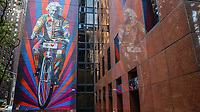 NOVA YORK, EUA, 21.10.2018 - ARTE-EUA - Obra do artista brasileiro Eduardo Kobra homenageia Albert Eisntein na Ilha de Manhattan em Nova York nos Estados Unidos neste domingo, 21. (Foto: William Volcov/Brazil Photo Press)