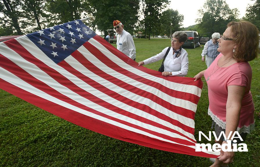 NWA Democrat-Gazette/BEN GOFF @NWABENGOFF<br /> American Legion Post 341 presents a Memorial Day program on Monday May 30, 2016 at Bella Vista Memorial Garden Cemetery.