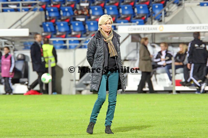 Bundestrainerin Silvia Neid (D) - Deutschland vs. Kroatien, WM-Qualifikation, Frankfurter Volksbank Stadion