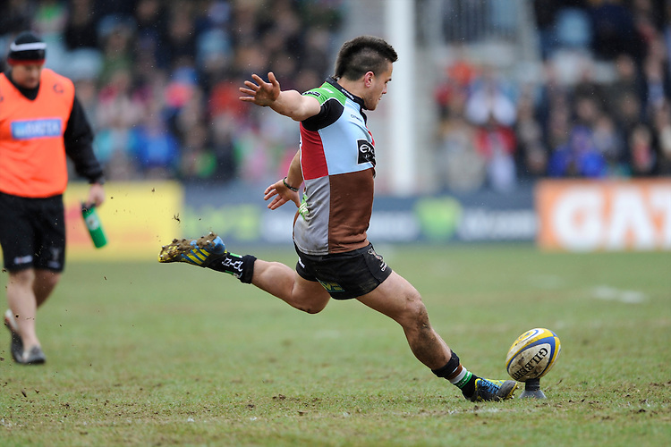Ben Botica of Harlequins takes a penalty kick during the Aviva Premiership match between Harlequins and Bath Rugby at the Twickenham Stoop on Saturday 13th April 2013 (Photo by Rob Munro)