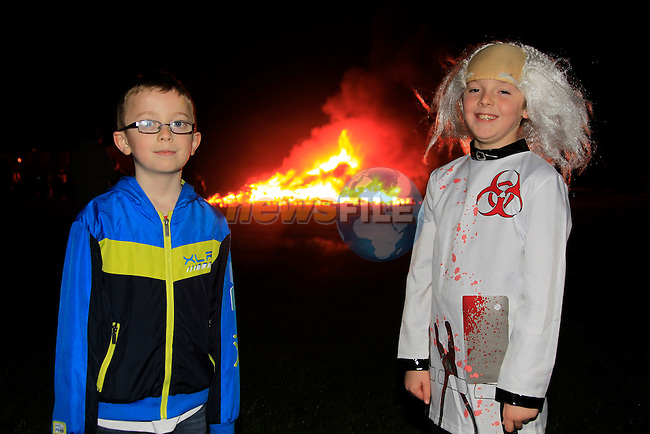 Brian O'Malley and Tadhg Thompson at the Halloween Bon Fire Ballsgrove<br /> Picture: www.newsfile.ie