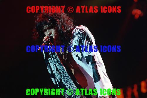Steven Tyler of; Aerosmith ;Live ; On th Pump Tour 1990.Photo Credit: Eddie Malluk/Atlas Icons.com