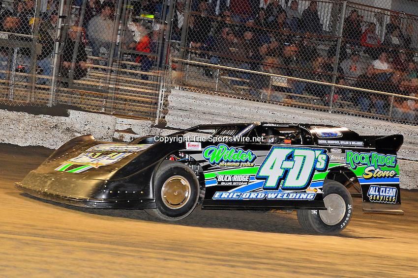 Feb 17, 2014; 7:07:48 PM;  Barberville, FL, USA;  World of Outlaws Late Model Series for 43rd Annual DIRTcar Nationals presented by Summit Racing Equipment at Volusia Speedway Park.  Mandatory Credit: (thesportswire.net)