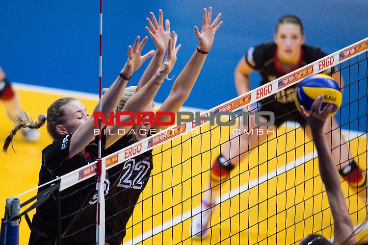 05.07.2014, Kleine EWE Arena, Oldenburg<br /> Volleyball, European League 2014, Deutschland vs. Polen<br /> <br /> Block / Doppelblock Louisa Lippmann (#3 GER), Anja Brandt (#22 GER)<br /> <br />   Foto &copy; nordphoto / Kurth