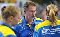 Handball 1. Bundesliga Frauen 2013/14 - Handballclub Leipzig (HCL) gegen Thüringer HC (THC) am 30.10.2013 in Leipzig (Sachsen). <br /> IM BILD: HCL Torwarttrainer Wieland Schmidt  <br /> Foto: Christian Nitsche / aif