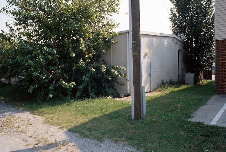 1998 September 15..Central Brambleton...Mr. Kim's Proposal.Quick & Save.rear.3234 Cromwell...NEG#.NRHA#..