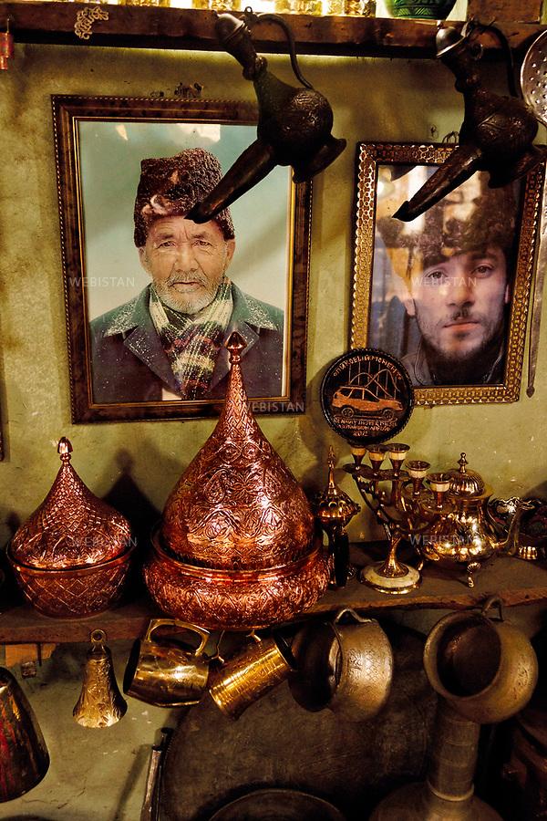 Azerbaijan, Shirvan, Ismailli (Ismayilli) District, Lahij (Lahic), April 17, 2012<br /> On a wall of a blacksmith shop.<br /> Lahij is both the old center of craftsmanship in Azerbaijan and was also the center of copper and arms production in the 18th and 19th centuries. Copper work historically has been the main source of income and the most popular job in Lahij. Today, this remote mountain village of about 2,000 residents has preserved its traditional way of life as well as the Lahiji language, which is only spoken.<br /> <br /> Azerba&iuml;djan, Chirvan, district de Ismayilli, Lahidj (Lahic), 17 avril 2012. <br /> Sur le mur d'un atelier de forgeron. Lahidj est un ancien centre artisanal de l&rsquo;Azerba&iuml;djan, au sein duquel le travail du cuivre est l&rsquo;une des principales sources de revenus et un m&eacute;tier tr&egrave;s populaire. Aux XVIIIe et XIXe si&egrave;cles, Lahidj &eacute;tait le centre de production du cuivre et d&rsquo;armes du pays. Le travail du cuivre a toujours &eacute;t&eacute; la principale source de revenus et d'emplois de Lahidj. Aujourd&rsquo;hui, ce village de montagne isol&eacute; d&rsquo;environ 2 000 habitants conserve un mode de vie traditionnel ainsi qu&rsquo;une langue orale, le lahidji.