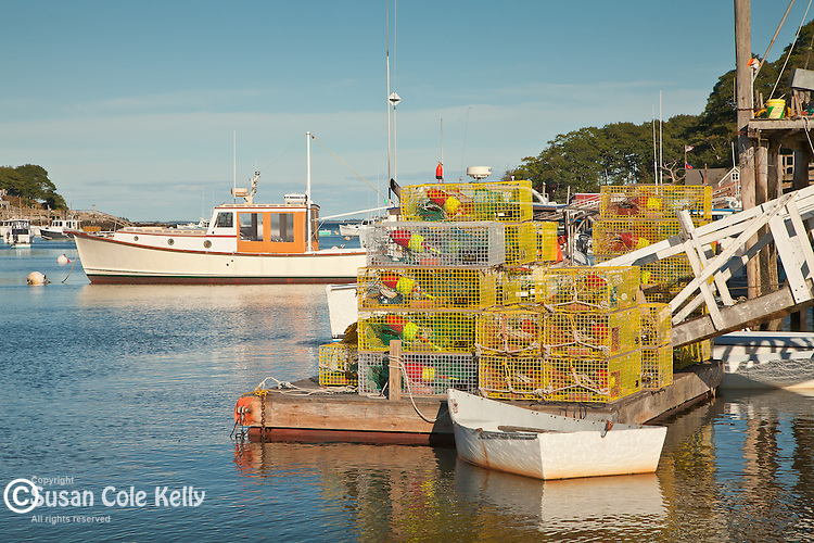 New Harbor, a fishing village in Bristol, ME, USA