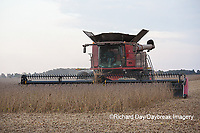 63801-07216 Soybean harvest with Case IH combine in Marion Co. IL