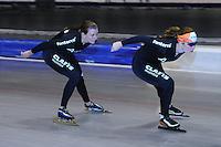 SCHAATSEN: HEERENVEEN: 25-06-2014, IJsstadion Thialf, Zomerijs training, Antoinette de Jong, Heather Richardson, ©foto Martin de Jong