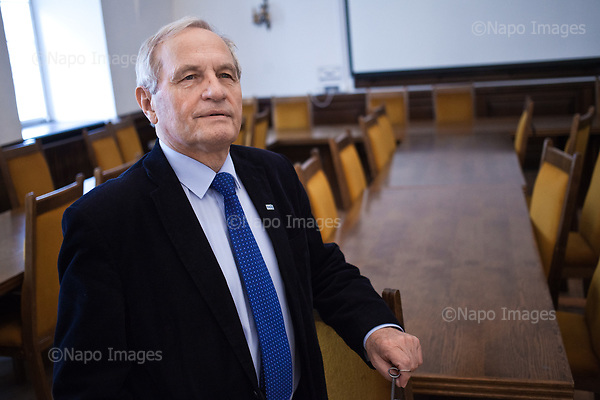 Warsaw, April 7, 2017:<br /> Stanislaw Koziej, Polish army general who recently lost his job is posing after class at the Warsaw University where he teaches.<br /> Photo by Piotr Malecki / Napo Images<br /> ******<br /> Warszawa, 7/04/2017:<br /> General Stanislaw Koziej, usuniety przez rzad PiS z wojska. Zdjecie wykonane na Uniwersytecie Warszawskim, gdzie general ma wyklady.<br /> Fot: Piotr Malecki / Napo Images