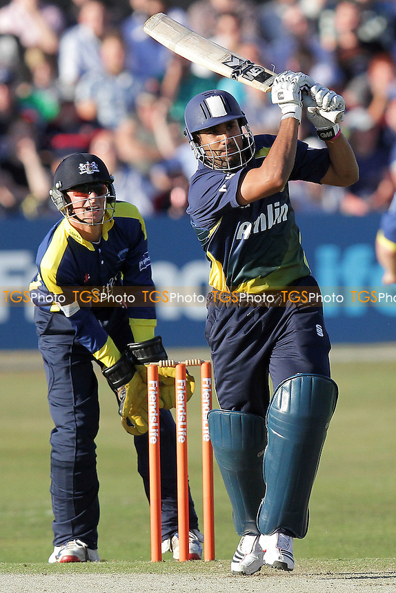 Ravi Bopara in batting action for Essex - Essex Eagles vs Gloucestershire Gladiators - Friends Life T20 Cricket at the Ford County Ground, Chelmsford - 03/06/11 - MANDATORY CREDIT: Gavin Ellis/TGSPHOTO - Self billing applies where appropriate - Tel: 0845 094 6026