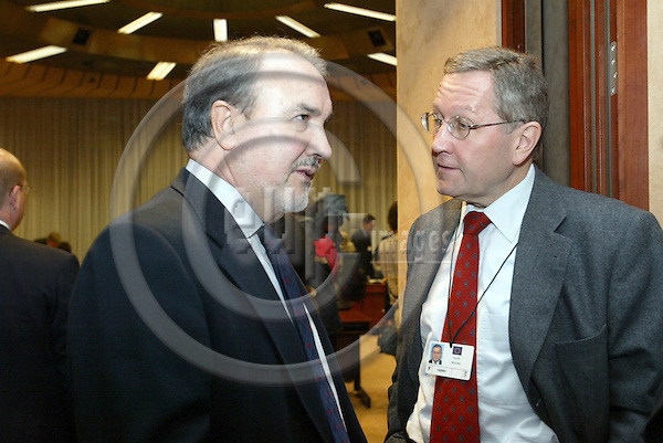 Belgium---Brussels---Eurogroup---Tour de Table/Round Table           09.02.2004.Pedro SOLBES, commissioner for monetary affairs; Klaus REGLING, Director of the GD Monetary Affairs; .PHOTO: EUP-IMAGES / ANNA-MARIA ROMANELLI