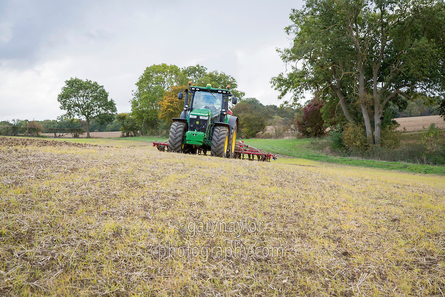 Delayed combination drilling of winter wheat into sprayed off barley stubble - October, Northamptonshire