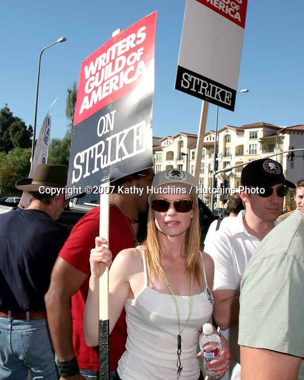 Marg Helgenberger.Screen Actor's Guild Support the Writer's Guild of America Strike.Outside NBC/Universal Studios Lot.Lankershim Blvd.Los Angeles, CA.November 13, 2007.©2007 Kathy Hutchins / Hutchins Photo...               .