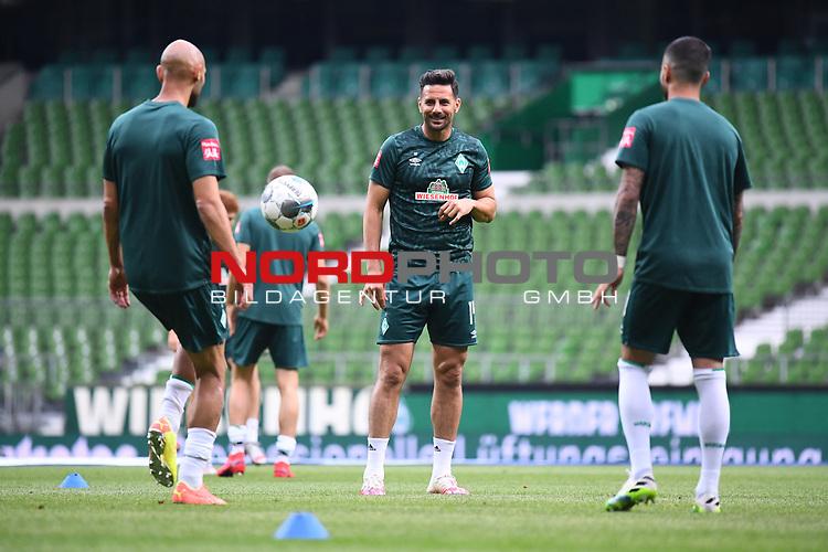 Claudio Pizarro (Werder Bremen) beim Aufwaermen.<br /> <br /> Sport: Fussball: 1. Bundesliga:: nphgm001:  Saison 19/20: 34. Spieltag: SV Werder Bremen - 1. FC Koeln, 27.06.2020<br /> <br /> Foto: Marvin Ibo Güngör/GES/Pool/via gumzmedia/nordphoto