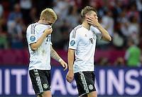 FUSSBALL  EUROPAMEISTERSCHAFT 2012   HALBFINALE Deutschland - Italien              28.06.2012 Marco Reus (li) und Toni Kroos (re, beide Deutschland) sind nach dem Abpfiff enttaeuscht