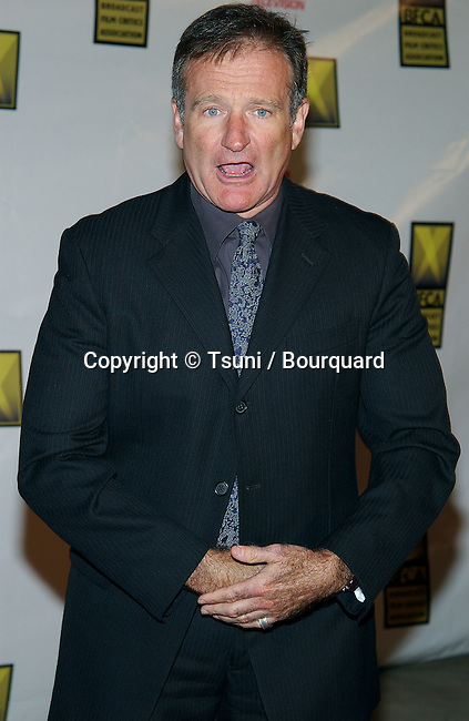 Robin Williams arriving at the 8th Annual Critics' Choice Awards at the Beverly Hills Hotel in Los Angeles. January 17, 2003.             -            WilliamsRobin17.jpg