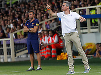 Calcio: amichevole Fiorentina vs Barcellona. Firenze, stadio Artemio Franchi, 2 agosto 2015.<br /> Fiorentina coach Paulo Sousa, right, gestures past FC Barcelona's coach Luis Enrique during the friendly match between Fiorentina and FC Barcelona at Florence's Artemio Franchi stadium, 2 August 2015.<br /> UPDATE IMAGES PRESS/Riccardo De Luca