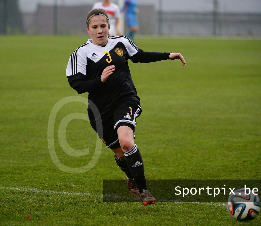 20141126 - TUBIZE , BELGIUM : Belgian Taika De Koker pictured during the Friendly female soccer match between Women under 19 / 21  teams of  Belgium and Turkey .Wednesday 26th November 2014 . PHOTO DAVID CATRY