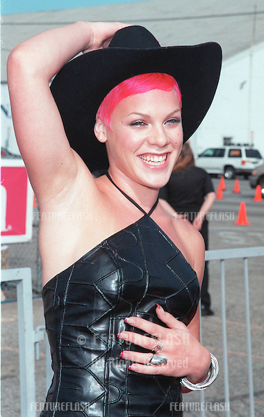 01AUG99: Pop singer PINK at the 1999 Teen Choice Awards, in Santa Monica..© Paul Smith / Featureflash