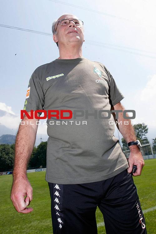 FBL 07/08 Trainingslager Werder Bremen in Bad Ragaz, Schweiz<br /> <br /> Manfred M&uuml;ller ( Mueller )  (Gesch&auml;ftsf&uuml;hrer Marketing und Management) <br /> <br /> Foto &copy; nph (  nordphoto  )<br /> <br /> <br /> <br /> <br /> <br /> <br /> <br />  *** Local Caption ***