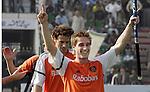 Champions Trophy Hockey mannen Nederland-Pakistan 4-1. Vreugde na afloop bij Rob Reckers. links Jesse Mahieu.